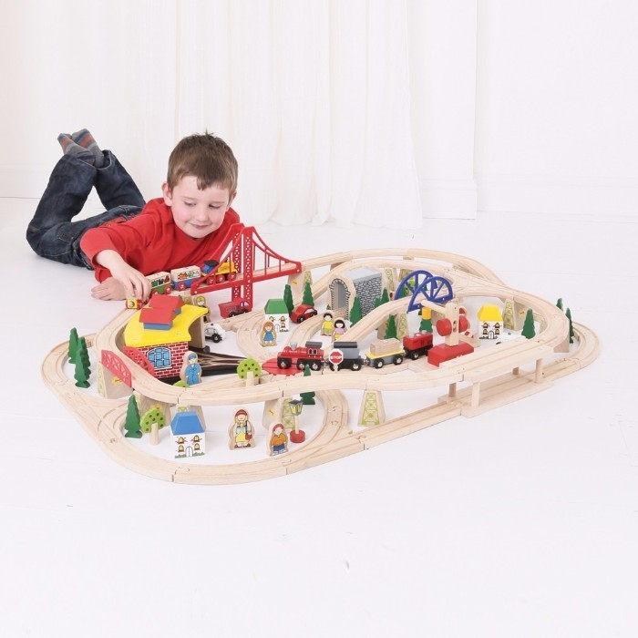 Circuit cu tren marfar 130 Piese