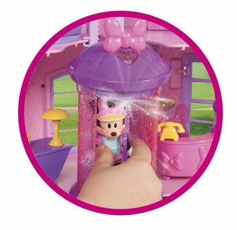 Imagine 5Casuta Minnie si ajutoarele abile