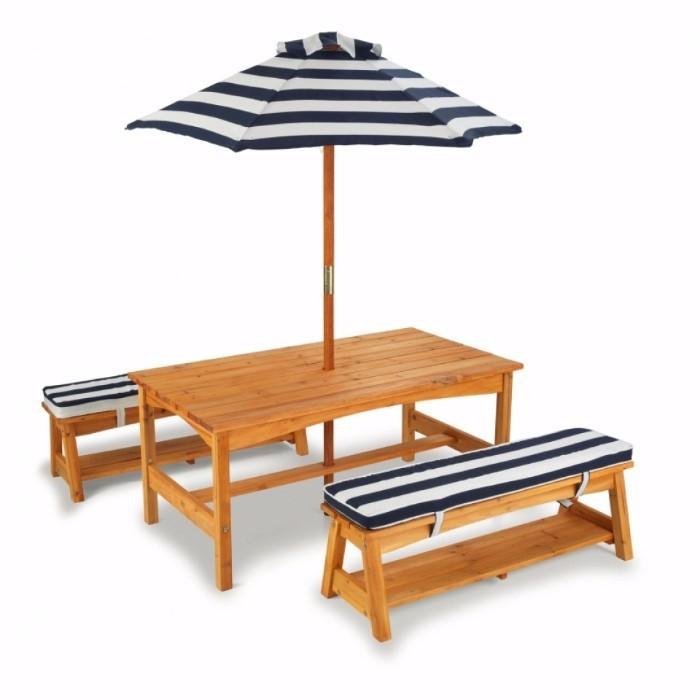 Set masuta de gradina cu bancute si umbrela