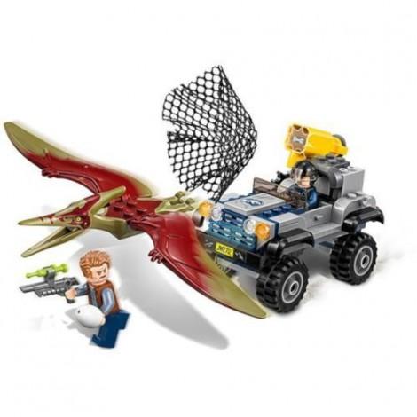 Imagine 3LEGO Jurassic World Urmarirea Pteranodonului