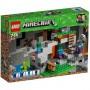 Imagine 1LEGO Minecraft Pestera cu Zombi
