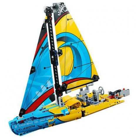 Imagine 2LEGO Technic Iaht de Curse