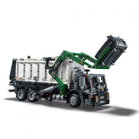 Imagine 5LEGO Technic Mack Anthem
